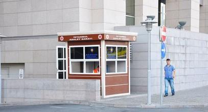 Modernas cabinas de seguridad en el Palacio de Justicia